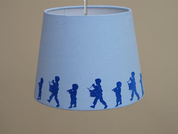 Lampenschirm hellblau selbst gestalten - verschiedene Größen