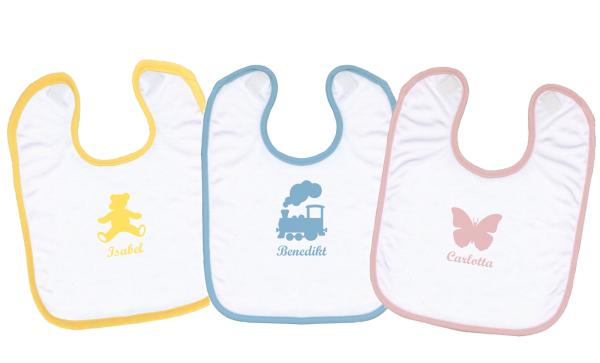 personalisierte Lätzchen in verschiedenen Farben